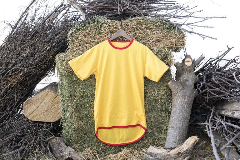 ShearingTShirts manga corta amarillo con faldón